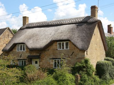 Photo for Charming Thatched Cottage near Chipping Campden in the Cotswolds