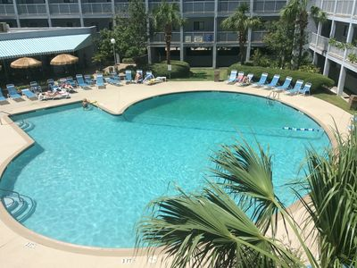 Photo for $50 discount when booked by 5/31, 2 bed/2 bath Beach Resort 3 pools, free Wi-Fi