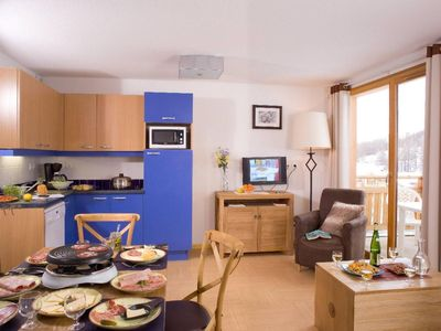 Photo for Wifi, 50m from shops, swimming pool, sauna, balcony, tv, 30-32m², Les Orres