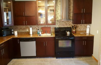 Photo for SPACIOUS 4 BDR LAKEFRONT WITH SAUNA, FIREPLACE, SLEEPS 14. 7 MILES TO CAMELBACK
