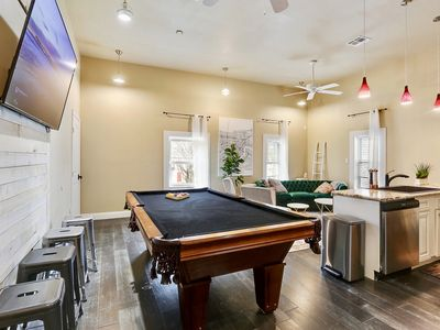 Photo for LOCATION! 3 blocks from SUPERDOME, 7 blocks from St. Charles Ave.,