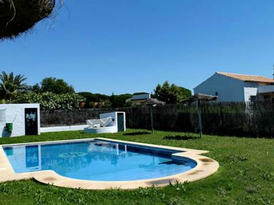 Photo for Beautiful villa with pool and garden