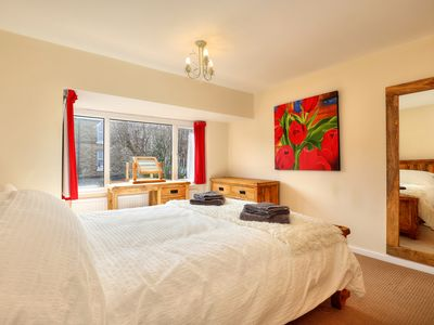 Photo for Luxury Executive 3 bed, Comfortable home