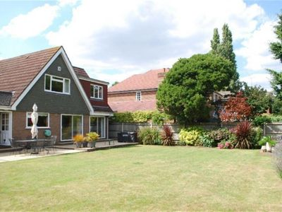 Photo for 4BR House Vacation Rental in Twickenham