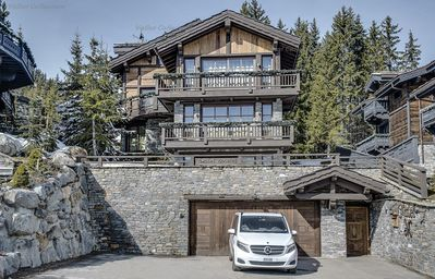 Photo for Amazing contemporary alpine chalet ski in/out