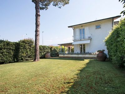 Photo for Semi-detached villa in Forte dei Marmi 2 bedrooms, 3 bathrooms