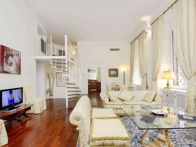 Photo for Spacious City Centre Popolo apartment in Borghese-Parioli with WiFi, air conditioning & lift.