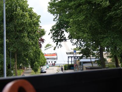Photo for Generous 5 - star holiday home on the sunny side at the Kiel Canal.