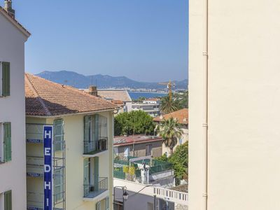 Photo for Beautiful one bed roomflat with a sea view in the old Cannes