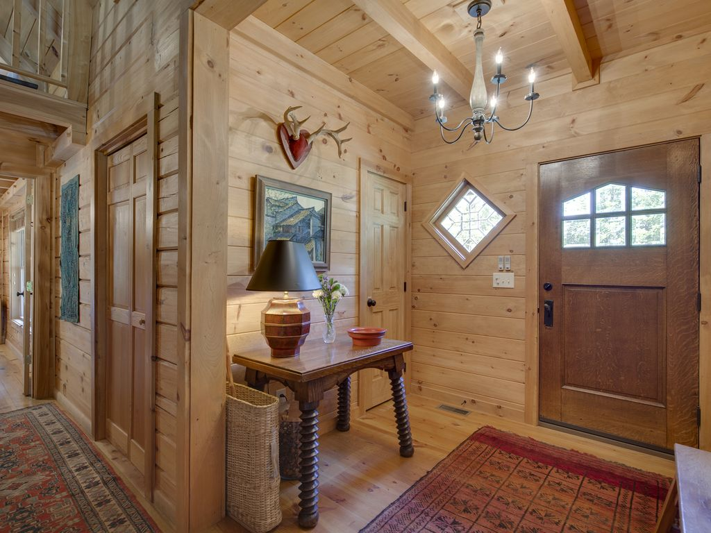 Beautiful cabin within walking distance of vrbo