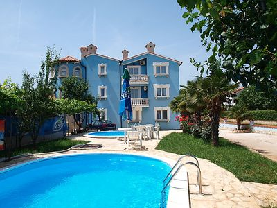 Photo for One bedroom Apartment, sleeps 4 in Medulin with Pool and Air Con