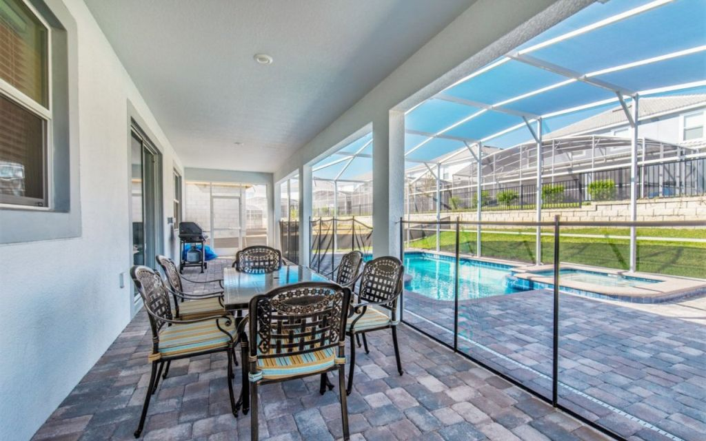 Championsgate 168 - 5* villa with pool, spillover tub & game room - near Disney