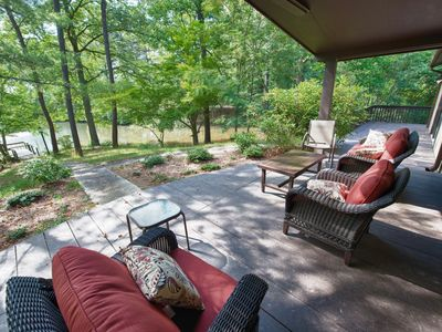Photo for Peaceful Asheville 5 bedroom retreat w/ Hot Tub sleeps 12 / 6 miles to downtown