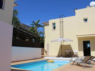 Photo for Comfortable Villa with A/C, WiFi, Private Swimming Pool only 200 meters to the Beach!