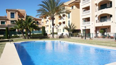 Photo for 1 bedroom apartment of 60 m2 with air conditioning, fully equipped. Sea view. Swimming pools.