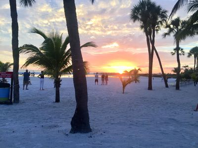 Photo for Direct Gulf Access on Dazzling White Sandy Beach. SPECIAL SUMMER/FALL RATES!