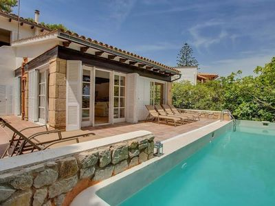 Photo for Luxurious villa with private pool and stunning sea views in a unique location