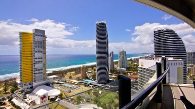 Photo for LAST MINUTE MAY  CRAZY SPECIAL WAVE LVL28 BROADBEACH 3 bed apartment!