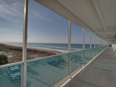 Photo for Bright, beachfront studio w/ Gulf views, a shared pool, & great beach access!