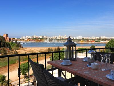Photo for Luxury Townhouse nº10 in Ferragudo, Sea views, Air-con