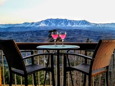 Photo for UNBELIEVABLE MOUNTAIN VIEWS!!! Great Location, Free Attraction Tickets