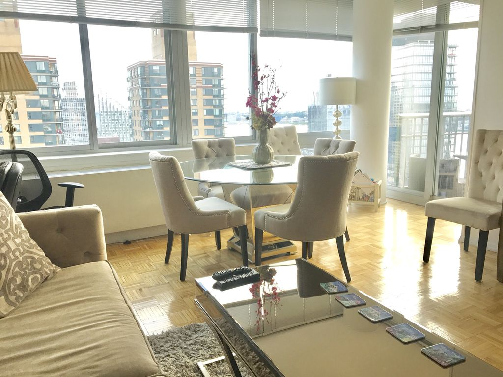 Beautiful luxury central park lincoln center penthouse 3 for 22 river terrace nyc