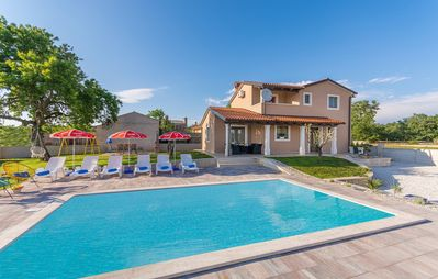 Photo for Contemporary Villa Gita with Pool and Playground