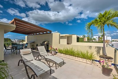 Head to Playa del Carmen and stay at this 3-bedroom, 3-bath penthouse!