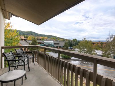 Photo for Popular condo just steps from the gondola w/ shared hot tubs & fire pit