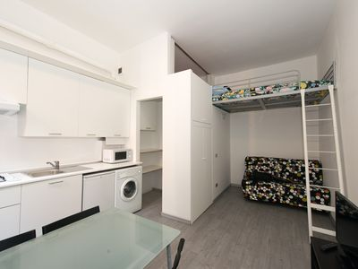 "Photo for Well located: 9 minutes from Duomo! Fast Wi-Fi, A/C Cool/Heat, LCD 32"", Phone!"
