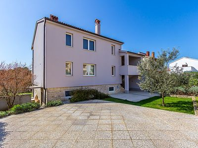 Photo for Apartment A1 - PUL 371  in Pula, Istria - 5 persons, 2 bedrooms