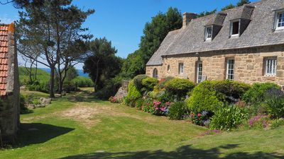 Photo for La Maison de Goas Lagorn in a preserved valley with direct access to the  beach