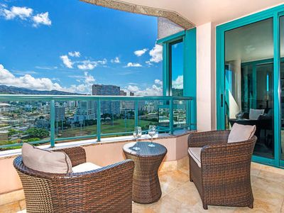 Photo for Gorgeous Views Upscale Condo in Waikiki Landmark with Free Parking, and Pool!