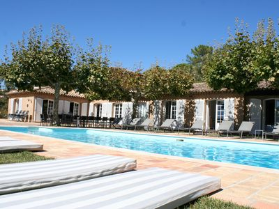 Photo for Villa in the heart of a 12 hectare pine woods, sea view, Gulf of St-Tropez