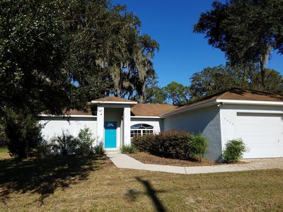 Photo for Nice home in a quiet town, yet near all central Florida has to offer