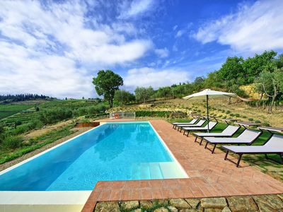 Photo for Nice apartment with WIFI, private pool, TV, panoramic view, parking, close to Greve In Chianti