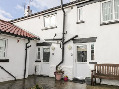 Photo for GREYSTONES COTTAGE, pet friendly in Barmston, Ref 974050