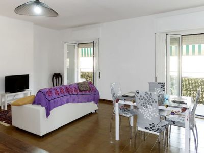 Photo for 2 bedroom Apartment, sleeps 7 with FREE WiFi and Walk to Beach & Shops