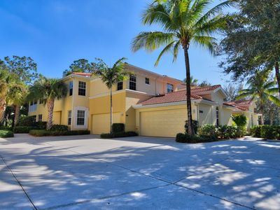 Photo for Resort style living in 1st floor coach style home in Naples, FL, 3 BED 2 BATH