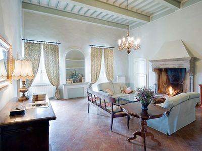 Photo for Villa in a farmhouse a stone's throw from Siena with swimming pool, free wi-fi