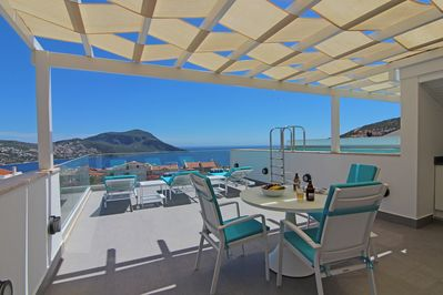 Your private roof terrace and pool