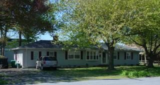 Photo for Fabulous 6 bedroom 3 bath ranch home 2 blocks from beach