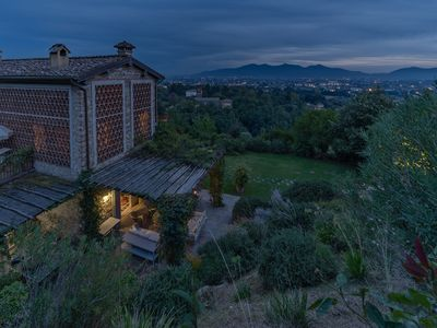 Photo for Luxury villa near Lucca with 6 bedrooms. Private swimming pool, A / C, Wi-Fi