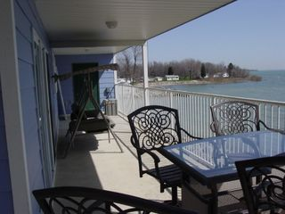 Premium Lakefront Condo With Large Lakefront Covered Patio