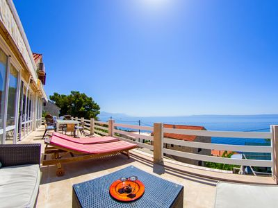 Photo for Spacious place - entire 2 floors for up to 17 people - near the beach