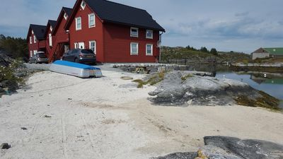Photo for Family friendly. Right at the water's edge. Charter. 2 bedrooms. 1 hour from Bergen.