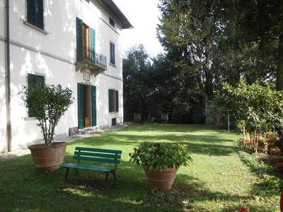 Photo for historic villa with pool and large giaridno, situated in a panoramic position.