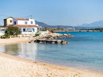Search 1,273 holiday lettings