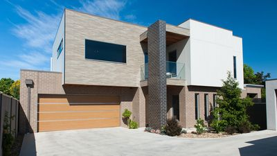 Photo for Mandel on High - Stunning home in central Echuca