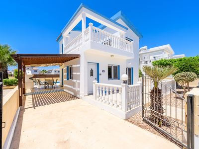 Photo for Stunning 3 bed villa with private pool